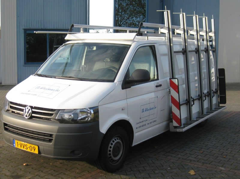VW Transporter met glasrek